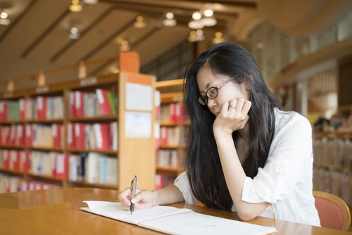 保育士試験の勉強方法。テキストやアプリを使って効率よく勉強するには?