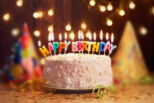 保育園でのお誕生日会。ペープサートやマジックの出し物のアイディア