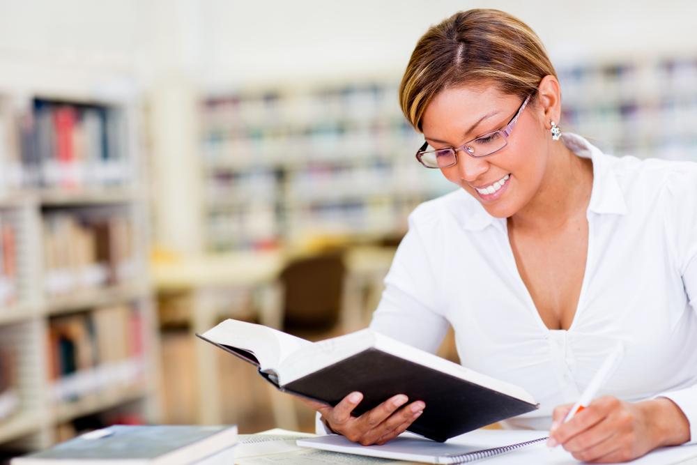 保育士・幼稚園教諭の免許・資格の取り方と更新について
