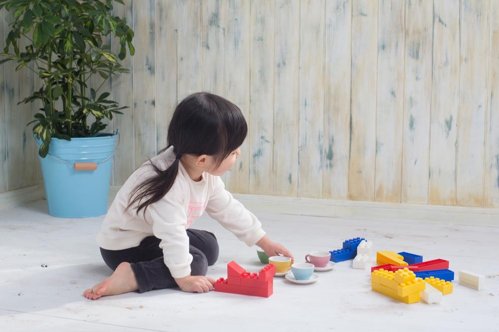 ごっこ遊びとは。保育でのねらいと遊び方の種類や手作りおもちゃ