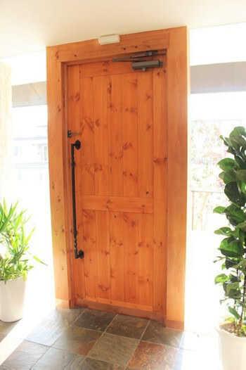 玄関ドアの種類と特徴・選び方