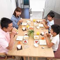 一般家庭(4人家族)の電気代の平均相場は?