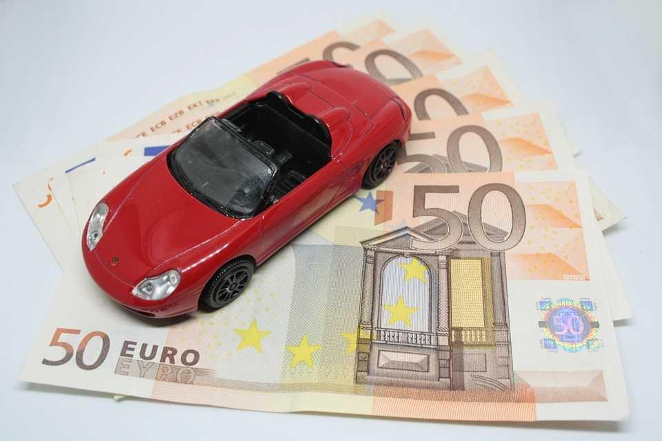 維持費がかかる車関連費も工夫次第で節約できる