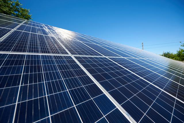 ポイント1:太陽光パネルの効果を1番発揮できる屋根にできる