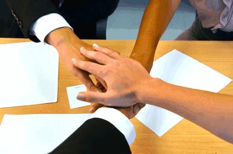 ④プロパンガス会社同士で協定を結んでいる