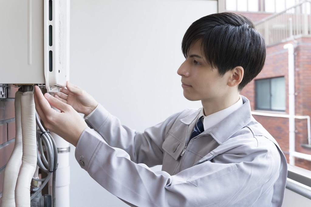 給湯器は定期点検やメンテナンスが不可欠?故障する時期や交換・修理の目安を解説