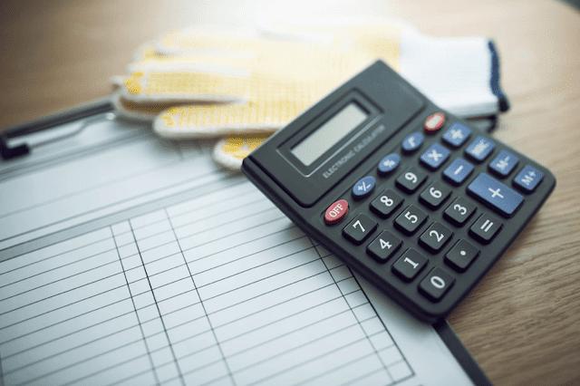 屋根を重ね葺きする場合の費用相場と耐用年数