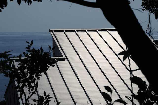 8種類の屋根材を徹底比較!価格や耐用年数など
