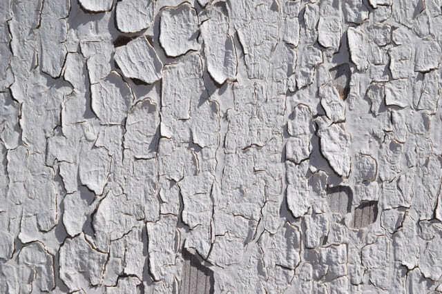 3年も経たずに外壁の塗装が浮いてはがれた!?塗装剥離の原因と対策 | プロヌリ|外壁・屋根塗装業者を見積り比較