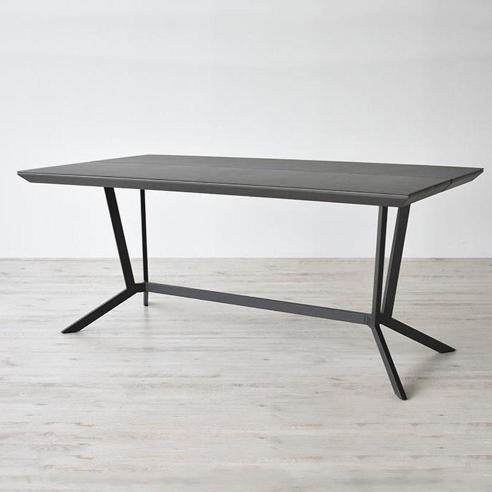 ダイニングテーブル「レイラ」