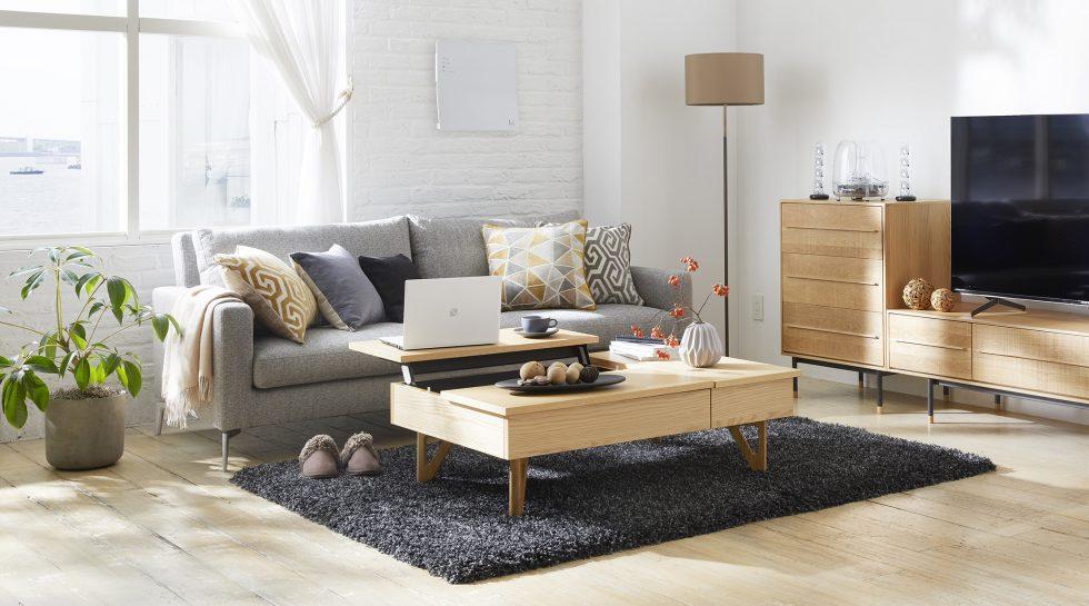 シャープなデザイン家具とデザイン家電をコーディネートした北欧スタイルリビング