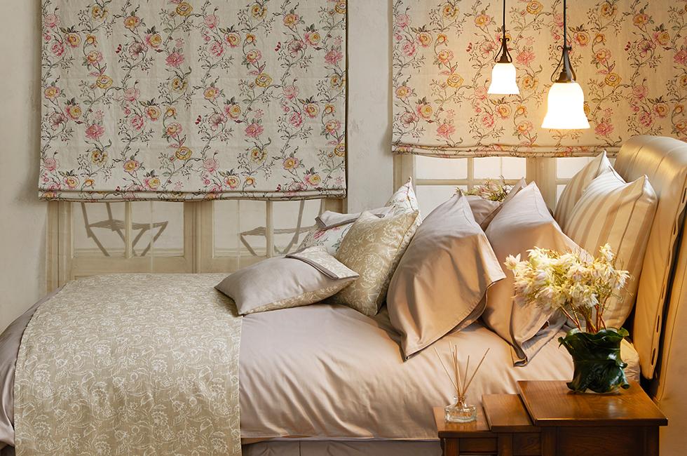 海外アパートメントのようなフレンチカントリースタイルのベッドルーム