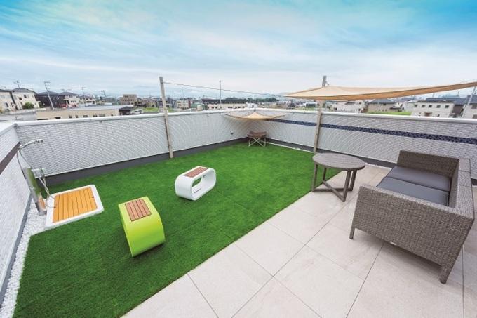 屋上庭園は広々24畳に ドッグランを併設