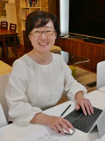 建築システム(狭小住宅専門店)【櫻井可奈子】接客のお仕事が大好きでいつでも『笑顔でお迎え!』がモットーです。