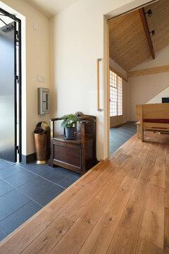 無垢材の温もりと高気密高断熱仕様のエアコン1台で全館空調の平屋の家
