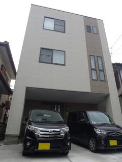 27坪の土地に6LDK三世代同居!ビルトインガレージ付き重量鉄骨3階建て住宅