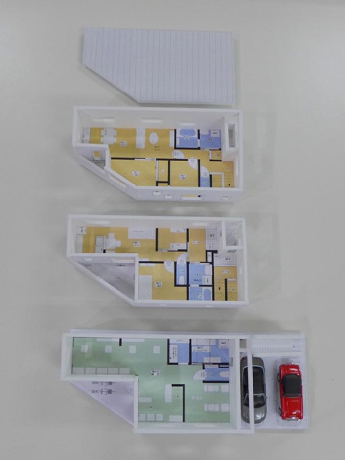建築システム(狭小住宅専門店)【デザイン住宅、二世帯住宅、狭小住宅】模型を何度も眺めてイメージは完璧! あとは完成を待つのみ