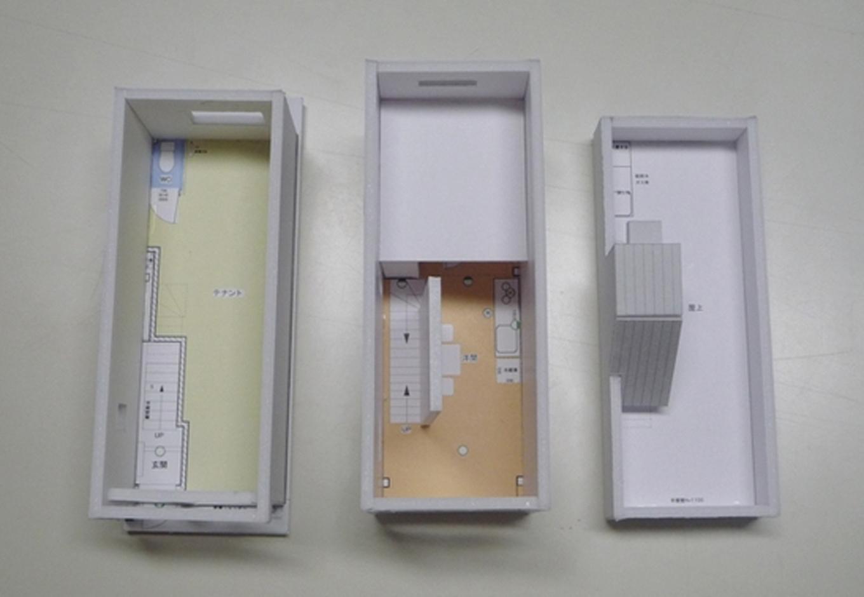 着工前に模型が完成。狭小の匠土地3.6mの幅の中で3.3mの建物を建てる