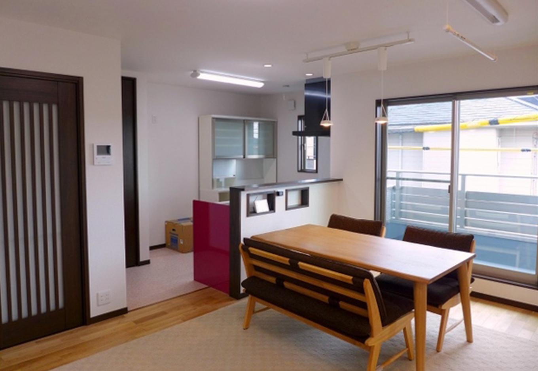 建築システム(狭小住宅専門店)【1000万円台、二世帯住宅、狭小住宅】南側に配置した2階LDKは明るく清々しい空間になった