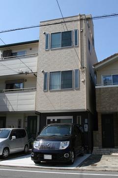 建物間口1.8間(3.4m)重量鉄骨3階建て二世帯狭小住宅