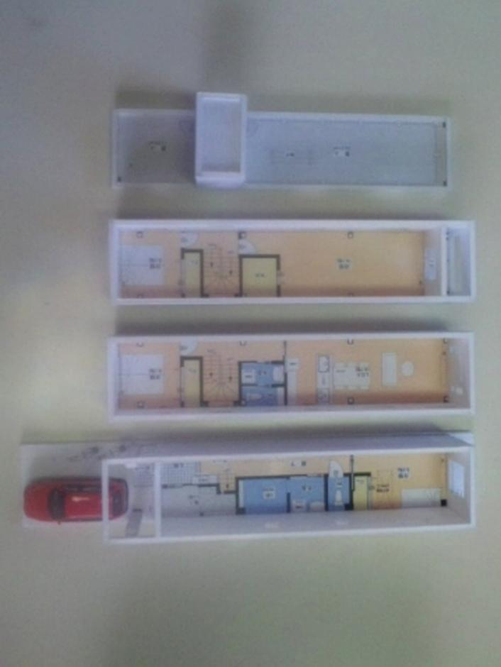 建築システム(狭小住宅専門店)【狭小住宅、屋上バルコニー、鉄骨鉄筋コンクリート構造】着工前に、完成予定の模型を作って完成イメージを明確に