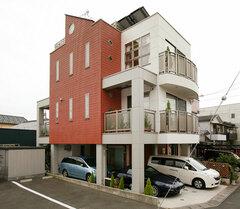 26坪の土地にビルトインガレージ3台+4LDK+地下収納+屋上を実現した狭小住宅