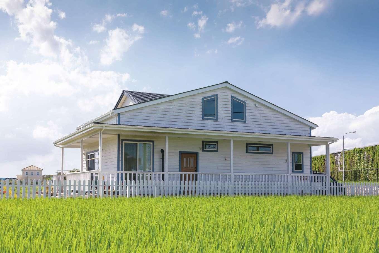 CLASSICA HOME/クラシカホーム【デザイン住宅、自然素材、インテリア】外壁は、レッドシダーのベベル張り