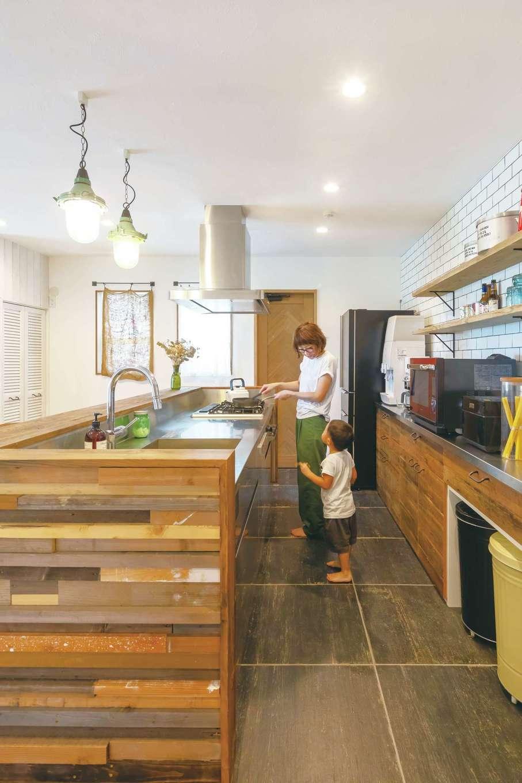 CLASSICA HOME/クラシカホーム【デザイン住宅、自然素材、インテリア】キッチンカウンターにも古材を採用