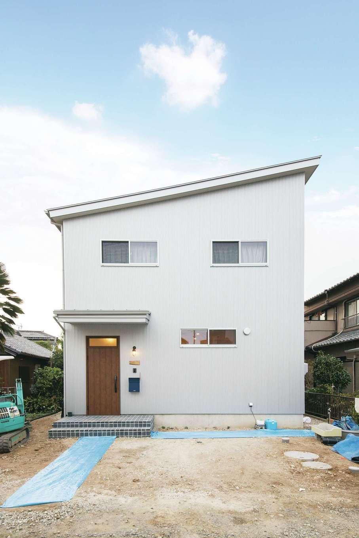 CLASSICA HOME/クラシカホーム【デザイン住宅、自然素材、インテリア】ガルバリウム鋼板の外観