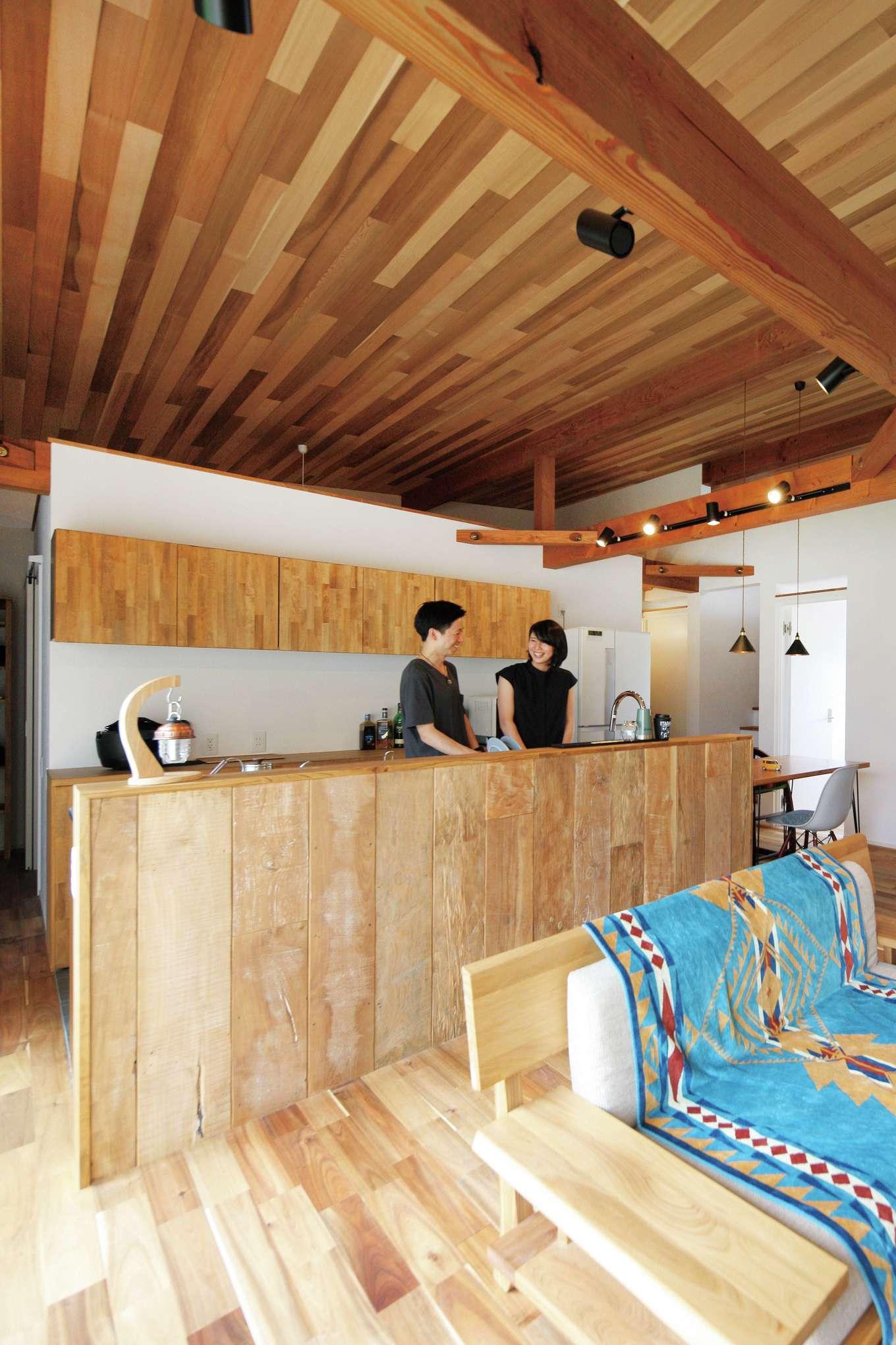 共感住宅 ray-out (レイアウト)【デザイン住宅、趣味、間取り】各部屋の上部を開けたことで空気が循環し、部屋間の温度差がない快適空間を実現