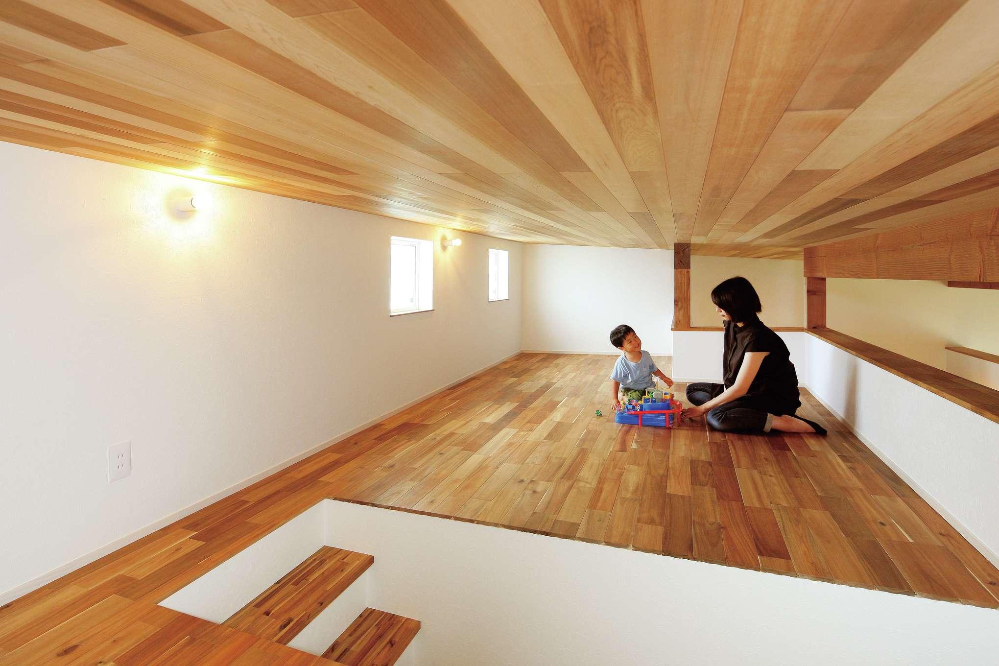 共感住宅 ray-out (レイアウト)【デザイン住宅、趣味、間取り】大容量のロフトは、収納やお子さまの遊び場としても活躍