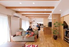 光と風が微笑み、庭とつながる 住むほどに満足感が増す家