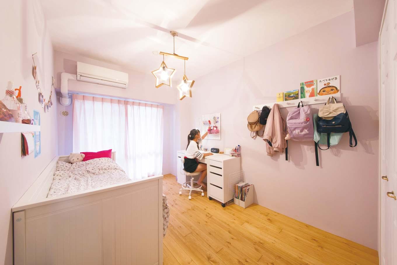 CLASSICA HOME/クラシカホーム|長女のプライベートルームは、年頃の女の子らしい愛らしい空間。長女自らがこだわり、色や収納、インテリアなどを決めていった