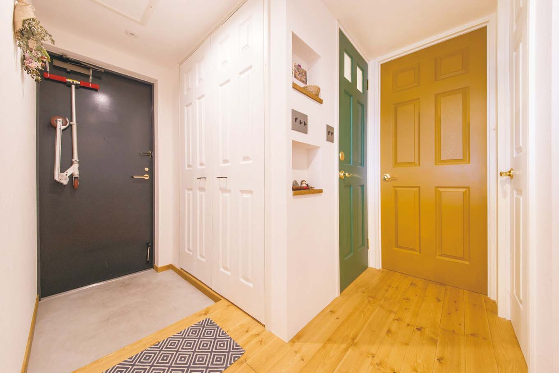 CLASSICA HOME/クラシカホーム|玄関ホール前に大容量の収納を設けたことで、日々の生活が快適に