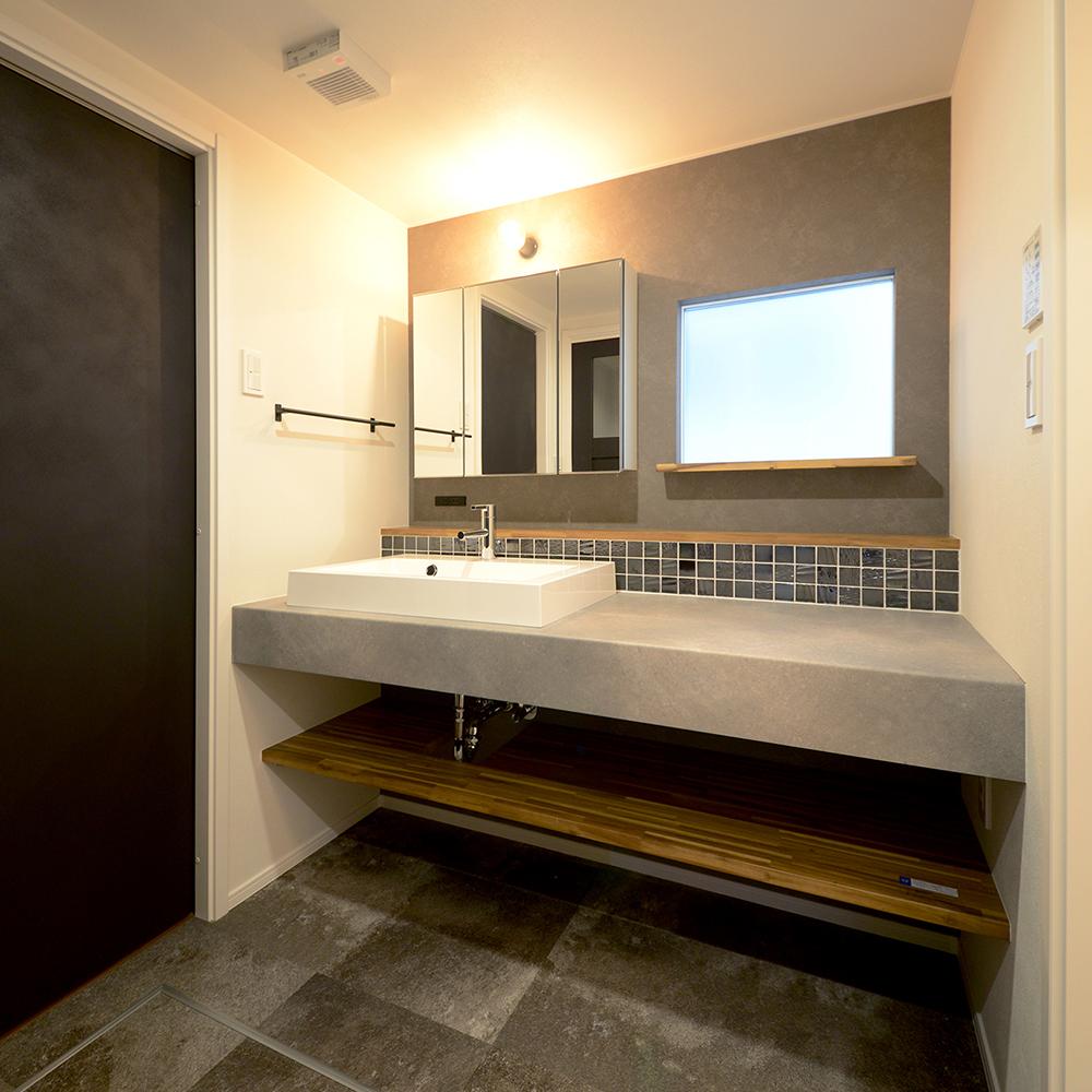 毎日のグルーミングも楽しく!映える洗面室!