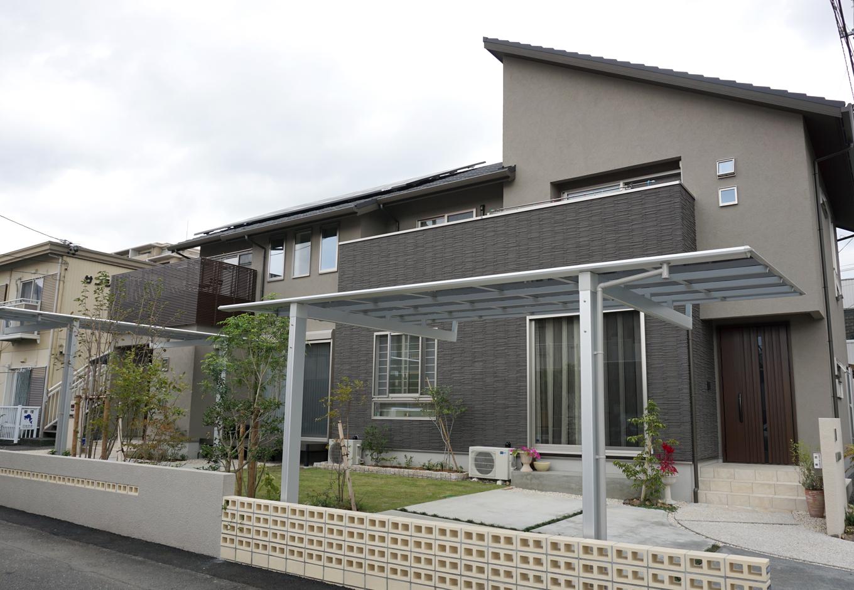 静鉄ホームズ【デザイン住宅、二世帯住宅、間取り】玄関分離型の二世帯住宅。向かって右側が親世帯、左側が子世帯となっている