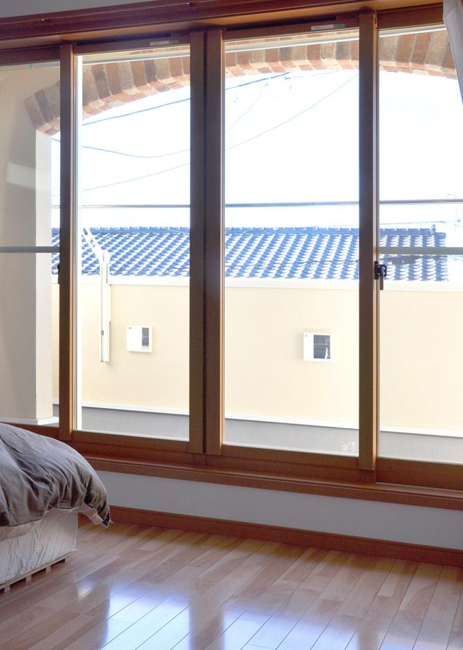 寝室とバルコニーの間にインナーテラスを設け、雨天の物干しも安心できるプラン