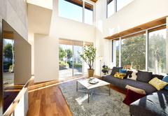 自然環境と調和したデザインの二世帯住宅モデルハウス