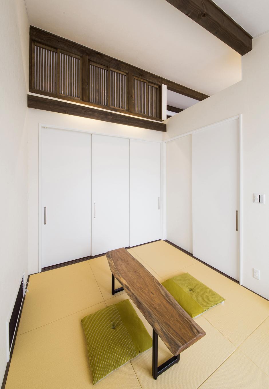 illi-to design 鳥居建設21【デザイン住宅、省エネ、間取り】勾配天井の上部は小窓やオープンになっていて、エアコン一つでも全ての部屋が暖かく、温度差も2℃以内となる