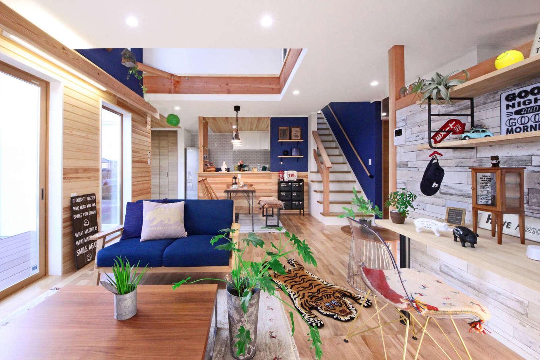 illi-to design 鳥居建設21【デザイン住宅、子育て、インテリア】床にはオーク無垢材を、壁には羽目板を採用して、ナチュラルな雰囲気に