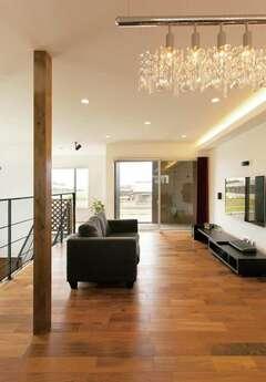 建築家と共に建てた、2階リビングのモダン建築