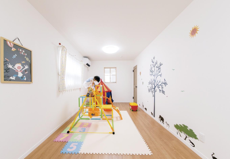 未来創建【デザイン住宅、輸入住宅、間取り】壁紙がかわいい子ども部屋。将来的には二部屋に