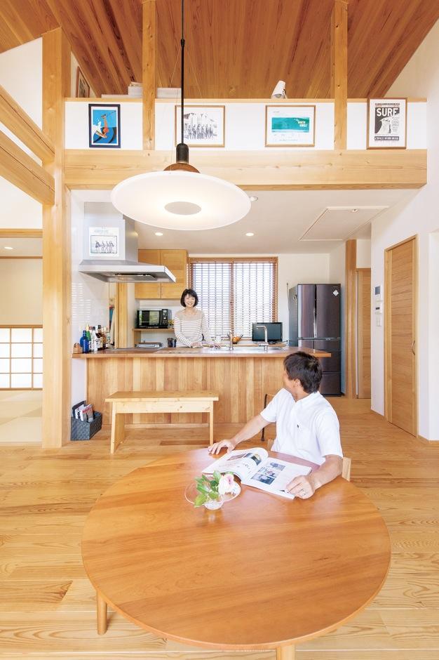 ナルセコーポレーション【趣味、自然素材、平屋】夏は床での生活が気持ちいい。天然素材の家だからこそだ