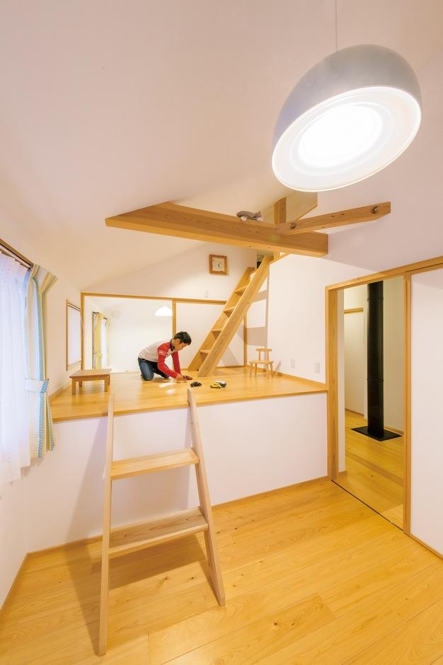 ナルセノイエ【和風、間取り、スキップフロア】リビングの構造を活かし、子ども部屋はスキップフロ アの遊び心ある部屋に