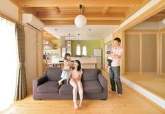 木のぬくもりが子を育む 和モダン=木心地の好い家