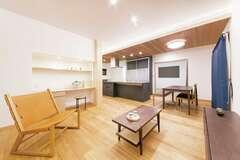 今も将来も快適に暮らせる自然素材の和モダン住宅