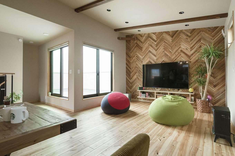 ワイズホーム【デザイン住宅、自然素材、省エネ】外観は存在感を放つヘリンボーン張り。どこかにインパクトが欲しいと取り入れた