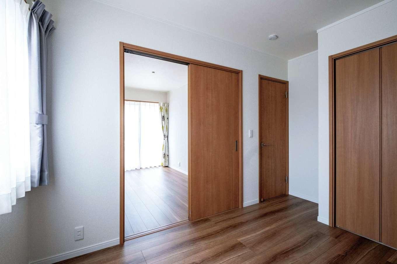 ハウテックス【子育て、二世帯住宅、間取り】分けてもつなげても使える両親の部屋