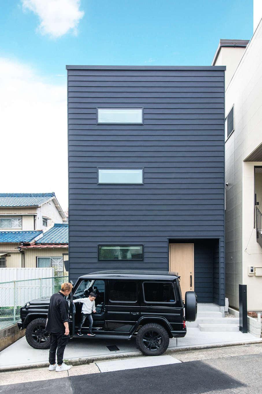ツリーズ【デザイン住宅、自然素材、間取り】外観はガルバリウム鋼板をセレクト。軽量で長持ちするため、こまめにメンテナンスしなくても快適に暮らせる