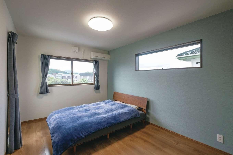 河原崎建設【デザイン住宅、省エネ、間取り】寝室のアクセントカラーは落ち着いたブルーに